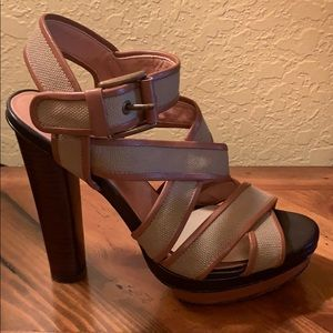 Ann Taylor Platform Sandals. SZ 7